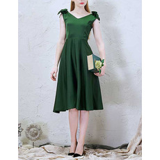 Modest V-Neck Sleeveless Knee Length Green Satin Cocktail Dress with Bows