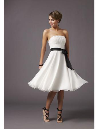Classic A-Line Strapless Knee Length Chiffon Bridesmaid Dress
