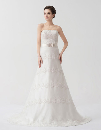 Classic Modern Designer A-Line Strapless Court Train Wedding Dress