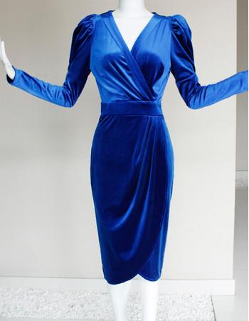 Cheap Modern Long Sleeves Short Velvet V-Neck Mother of the Bride Dress