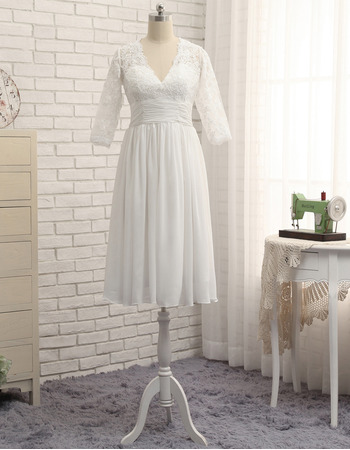 Simple V-Neck Knee Length Lace Chiffon Plus Size Wedding Dress with 3/4 Long Sleeves