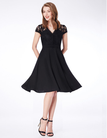 Classic Knee Length Chiffon Black Bridesmaid Dress with Short Sleeves