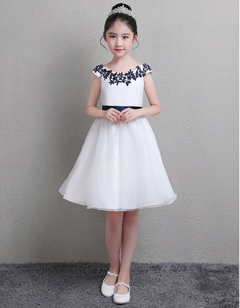 2019 New A-Line Knee Length Satin Flower Girl Dress with Sashes