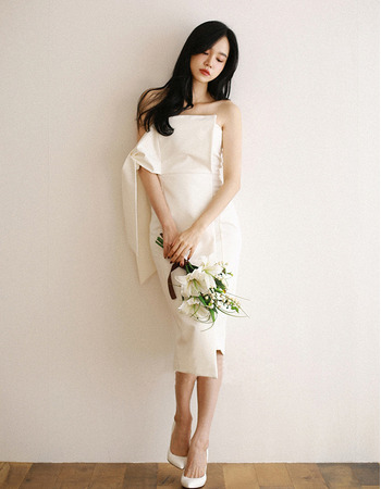 Sexy Sheath Strapless Knee Length Satin Short Wedding Dress