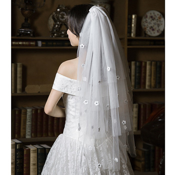 4 Layers Fingertip-Length Tulle with Applique White Wedding Veils