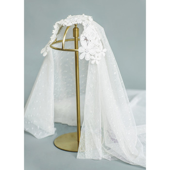 2 Layers Fingertip-Length Lace with Applique White Wedding Veils